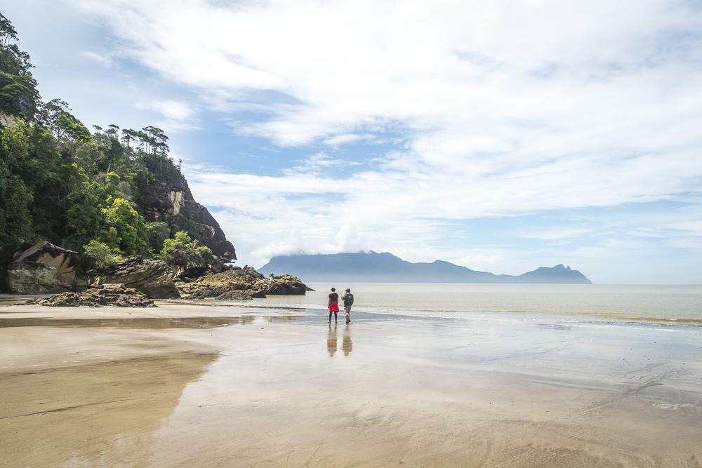 Strand im Bako Nationalpark © PhotoTravelNomads.com