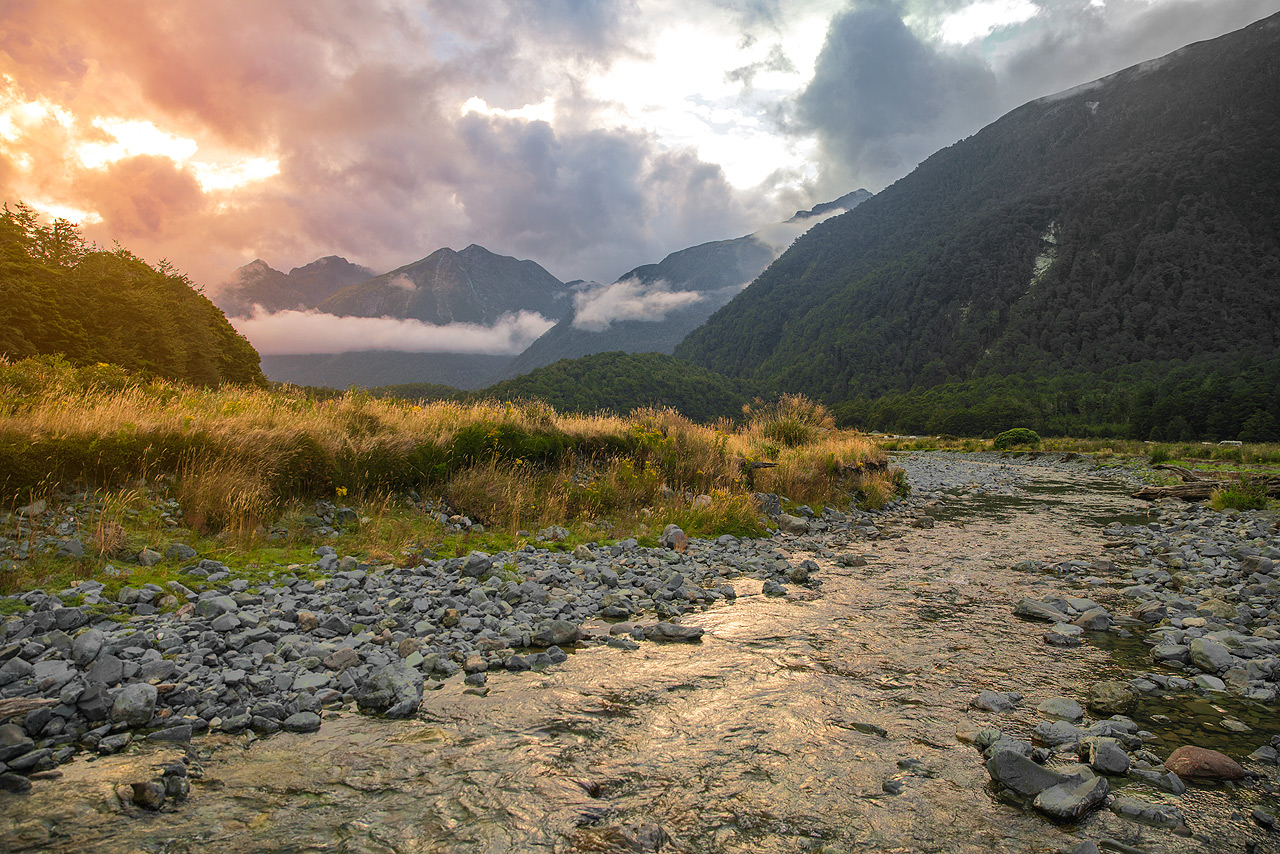 Cascade Creek Camping Ground am Milford Sound (Neuseeland) © PhotoTravelNomads.com