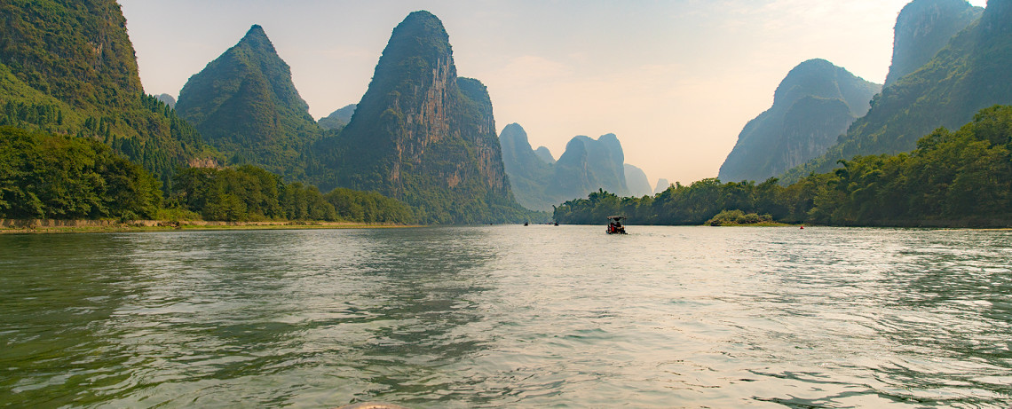 Li River Boat Cruise (Guilin/Yangshuo/Guangxi) China © PhotoTravelNomads.com