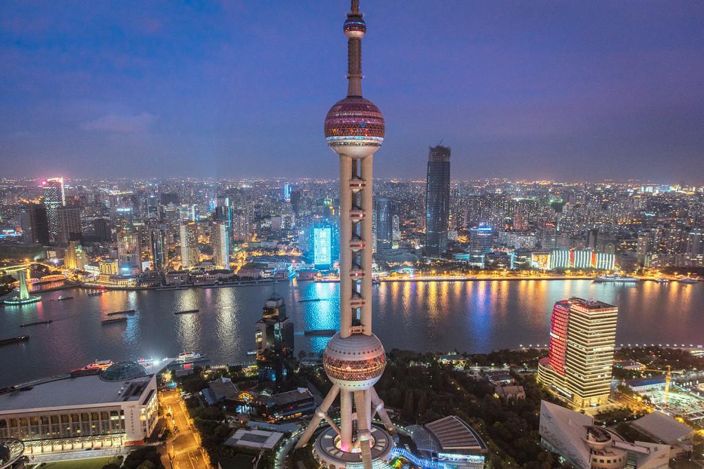 Bester Ausblick über Shanghai von der Ritz-Carlton Roof Top Bar © PhotoTravelNomads.com