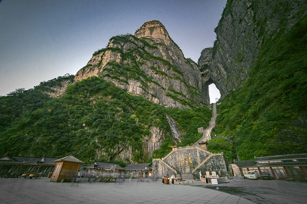 Tianment Mountain in Zhangjiajie (Hunan) China © PhotoTravelNomads.com