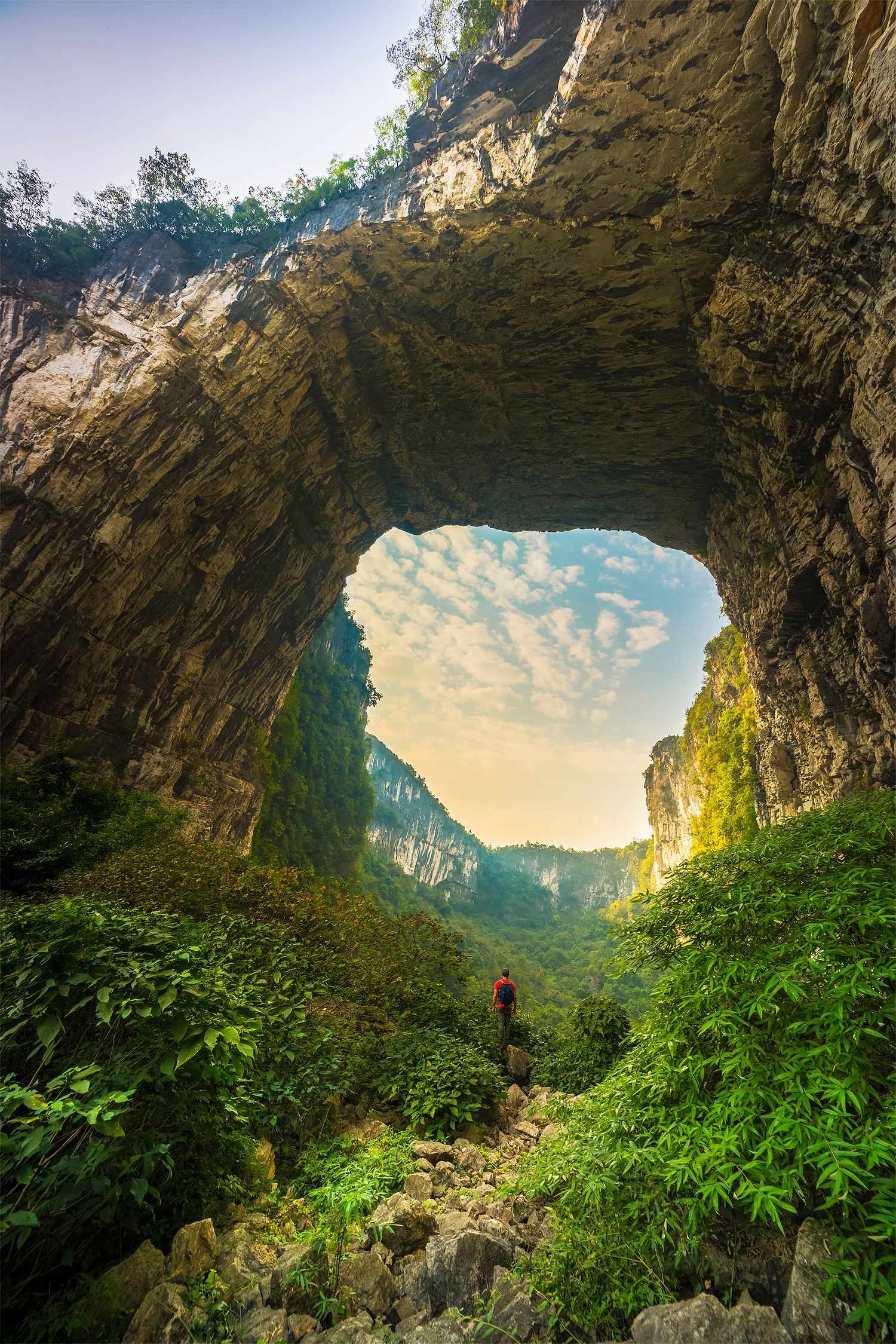 China Reiseblog: Betel Nut Cave / Angels Wall © PhotoTravelNomads.com