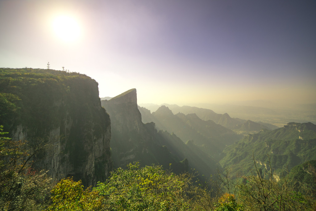 Aussicht am Tianmen Mountain in Zhangjiajie (Hunan) China © PhotoTravelNomads.com