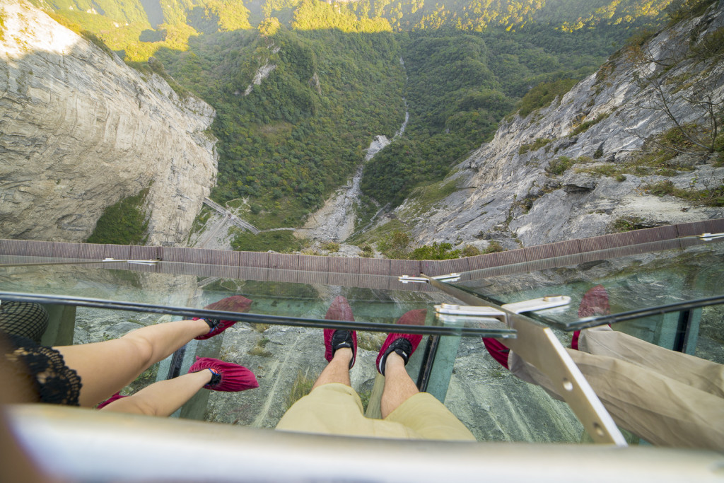 Glass Brücke am Tianmen Mountain in Zhangjiajie (Hunan) China © PhotoTravelNomads.com