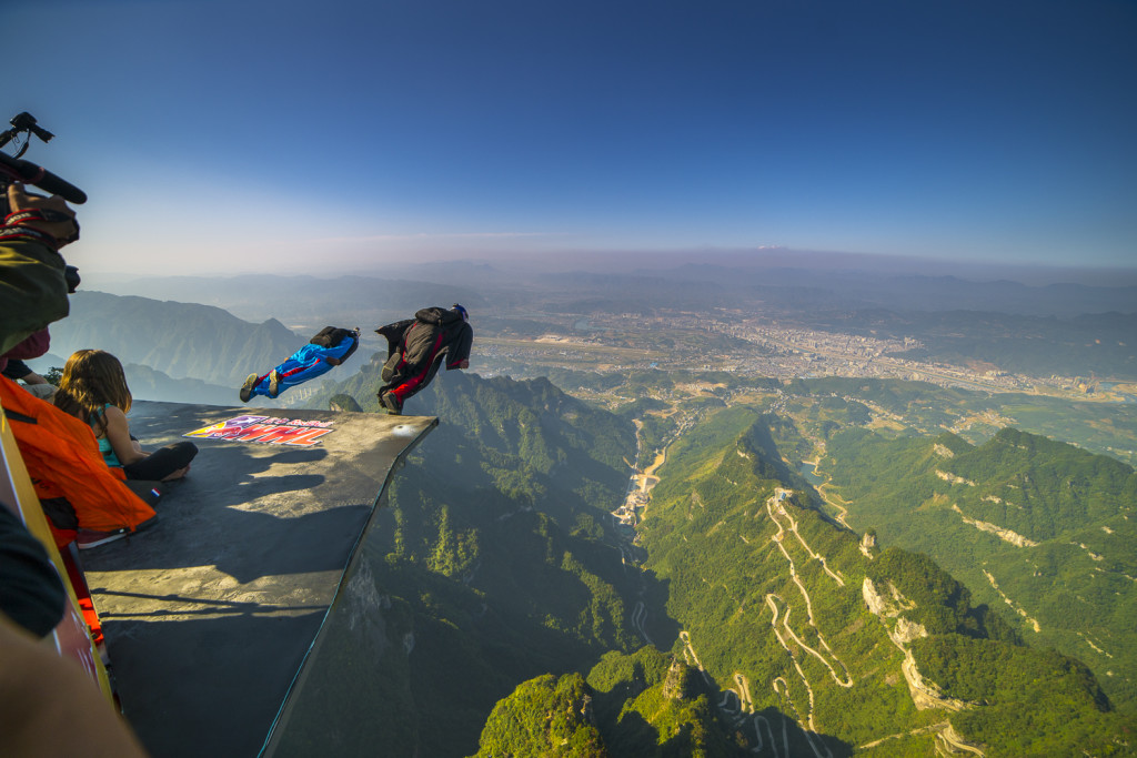 WiingSuite Jumper am Tianmen Mountain in Zhangjiajie (Hunan) China © PhotoTravelNomads.com
