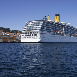 Costa Mediterranea im Hafen Stavanger © PhotoTravelNomads.com