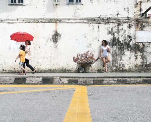 Kuching  Ernest Zacharevic Streetart |Borneo ©PhotoTravelNomads.com