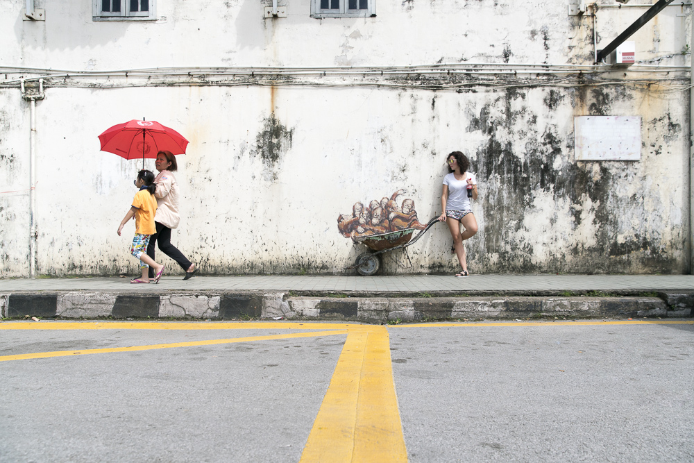 Streetart in Kuching by Ernest Zacharevic Streetart