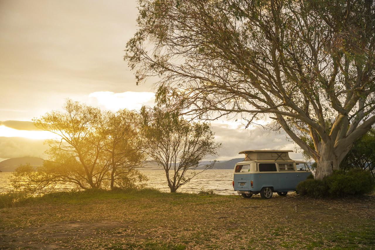 Freedom Camping Lake Taupo © PhotoTravelNomads.com