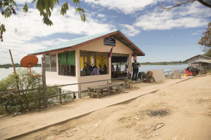 Laos Reiseblog: 4000 Islands Nakasong Ticket Counter © PhotoTravelNomads.com