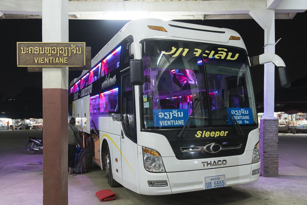 Laos Reiseblog: New Sleeper bus from Luang Prabang to Vientiane ©PhotoTravelNomads.com