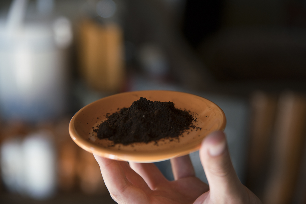 Fertig gemahlener Arabica Kaffee aus Laos
