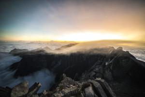 Sonnenaufgang am Mount Kinabalu - Low Peak © PhotoTravelNomads.com