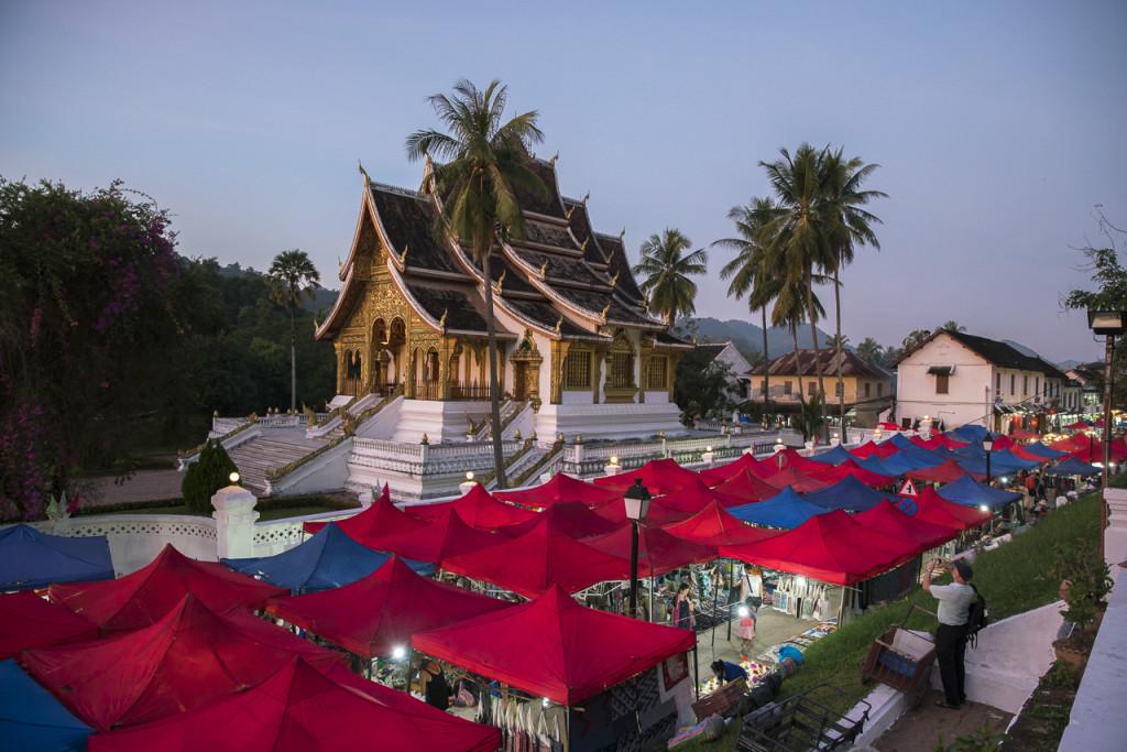Nightmarket Luang Prabang ©PhotoTravelNomads.com