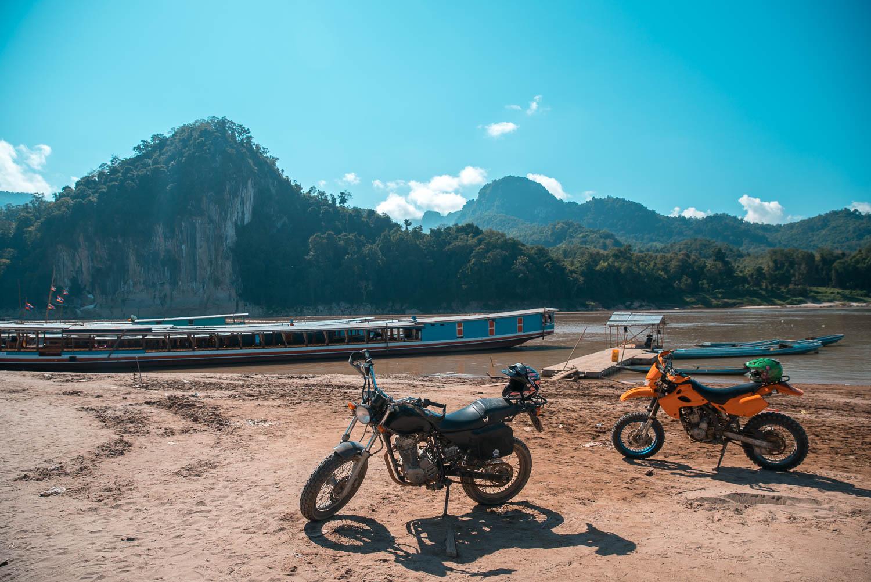 Mit dem Motorrad zur Pak Ou Cave und Buddha Cave