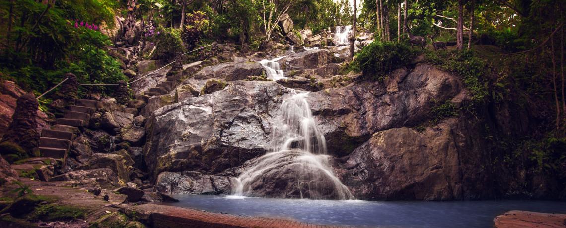 Thailand Reiseblog: Wasserfall in Ko Samui © PhotoTravelNomads.com