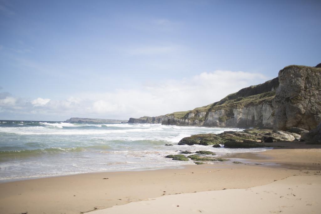 Irland Reiseblog: White Rocks Beach ©PhotoTravelNomads.com