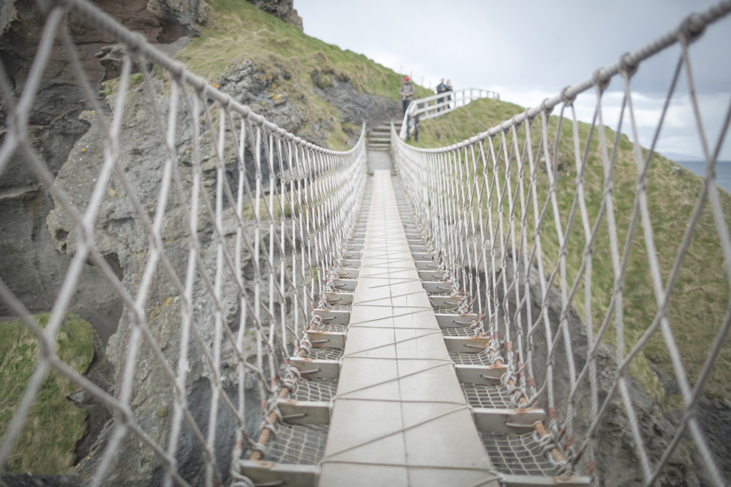 Top10 Sehenswürdigkeiten in Nordrland - Hängebrücke Carrick-A-Rede © PhotoTravelNomads.com