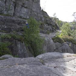 Preikestolen Wanderweg © PhotoTravelNomads.com