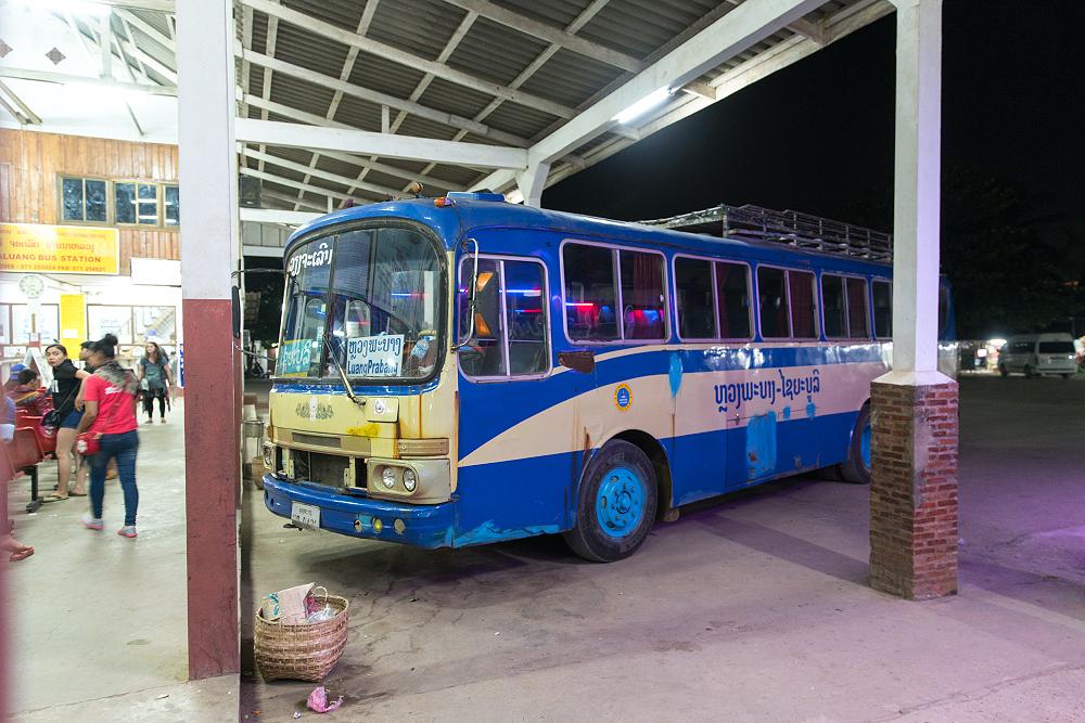 Laos Reiseblog: Old Sleeper bus from Luang Prabang to Vientiane ©PhotoTravelNomads.com