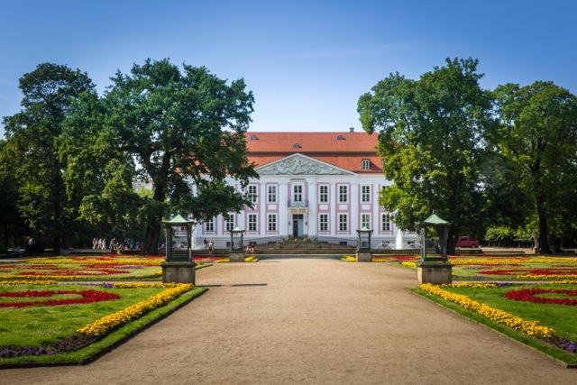 Schloss Friedrichsfelde im Tierpark ©PhotoTravelNomads.com