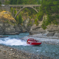 Shotover Jet Boat Queenstown © PhotoTravelNomads.com