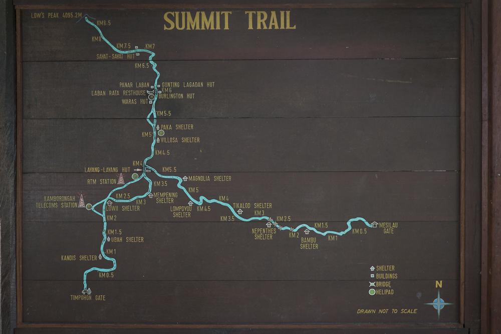 Mount Kinabalu Tour: Bergwanderung zur Spitze über den Summit Trail © PhotoTravelNomads.com