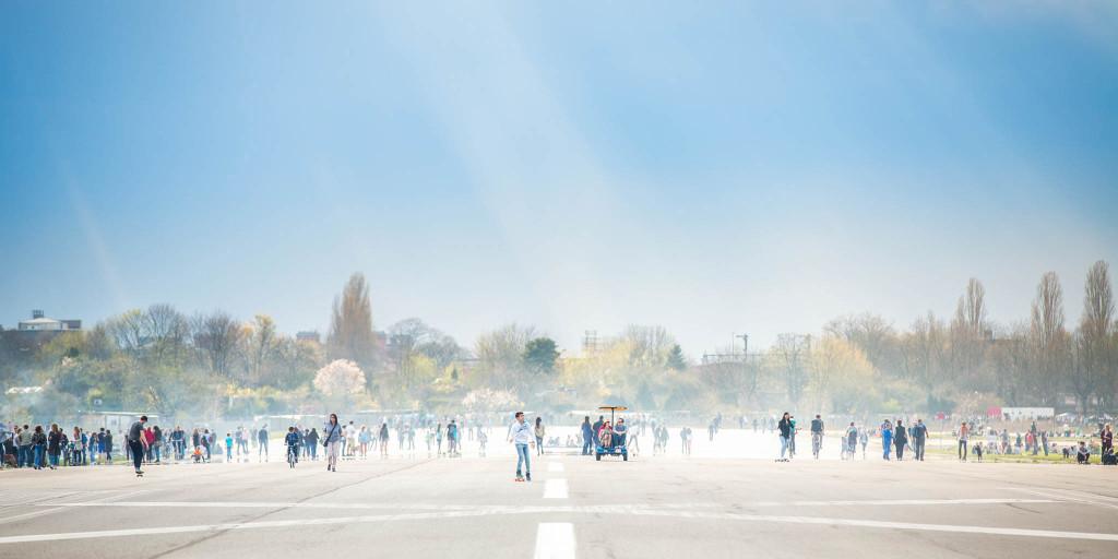 Tempelhofer Feld Flughafen ©PhotoTravelNomads.com