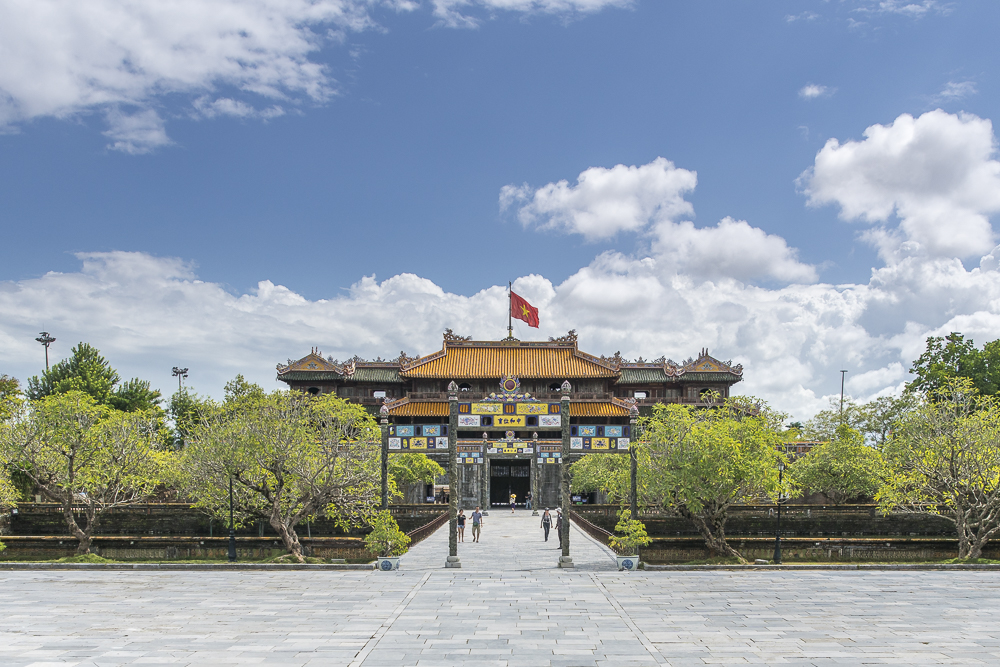 Vietnam Sehenswürdigkeiten: Royal Palace in Hue © PhotoTravelNomads.com