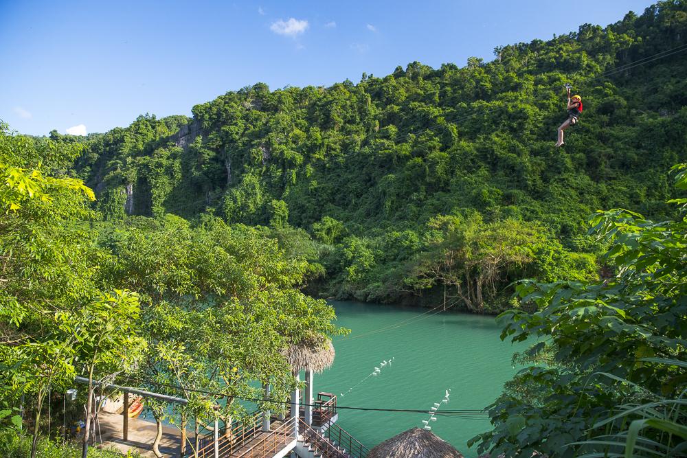 Vietnam Reiseblog: Sehenswürdigkeiten in Phong Nha Dark Cave © PhotoTravelNomads.com