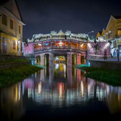 Chùa Cầu (Japanische Brücke) at Thu Bon River in Hoi An in Vietnam ©PhotoTravelNomads.com