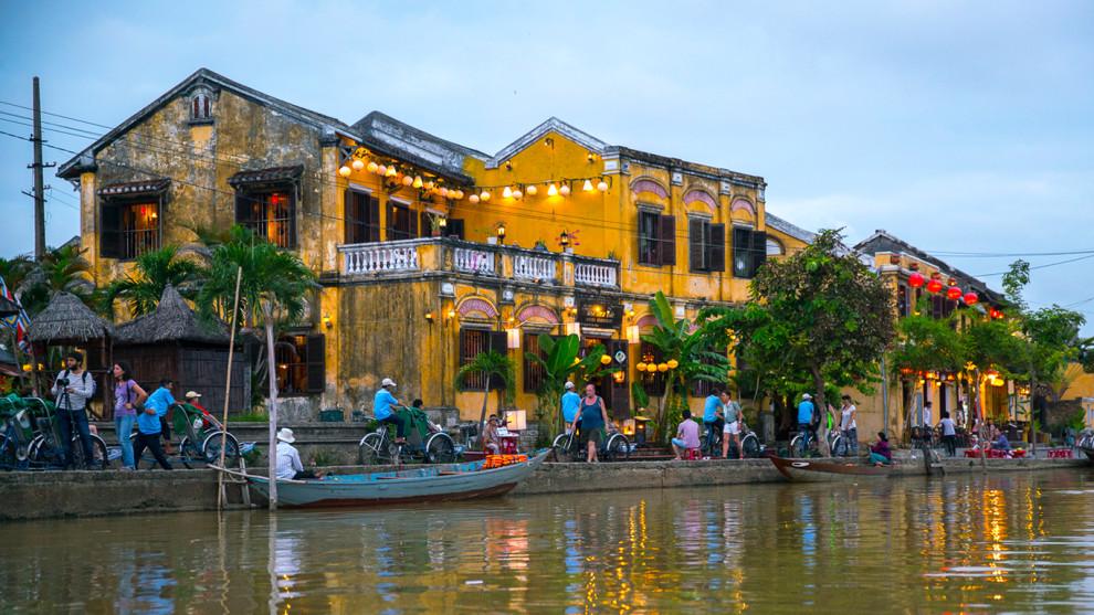 Hafenstadt Hoi An in Vietnam ©PhotoTravelNomads.com
