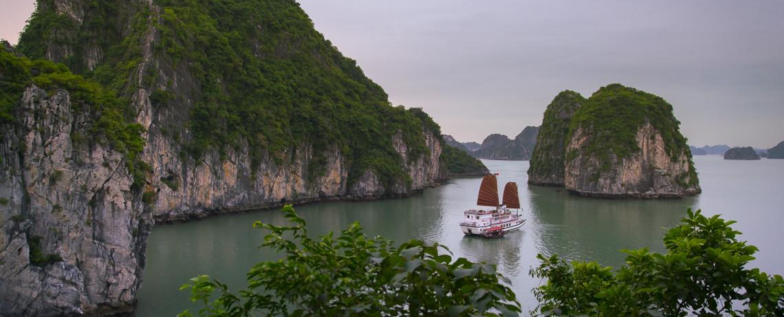 Vietnam Reiseblog: Bai Tu Long Bay © PhotoTravelNomads.com