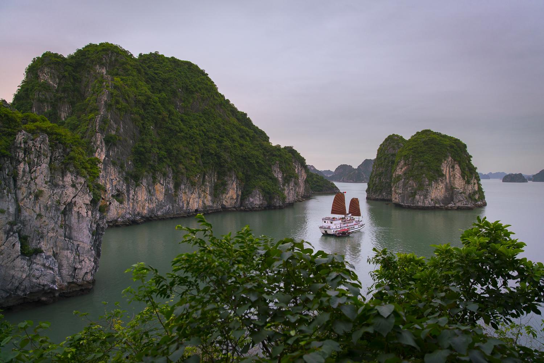 Vietnam Reiseroute: Zwischenstopp in der Bai Tu Long Bay
