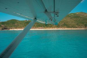 Ankunft mit dem Wasserflugzeug auf Waya Islands