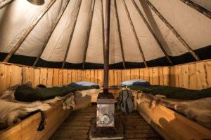 Das Innere unserer Sami-Zelt Unterkunft